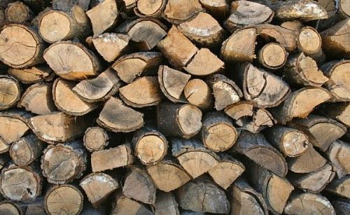 800px-Stackoffirewood-main_Full